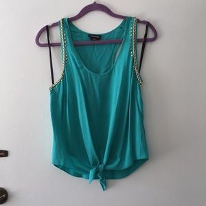 Teal tank with fold chain accent.